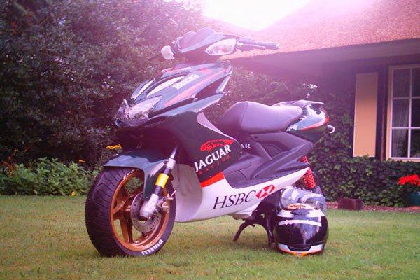 scooter-bestickering
