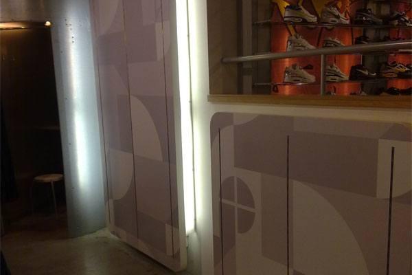 Folie op wand voor restylen interieur