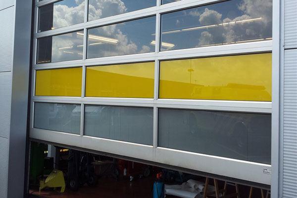 Gekleurde folie in gele kleur